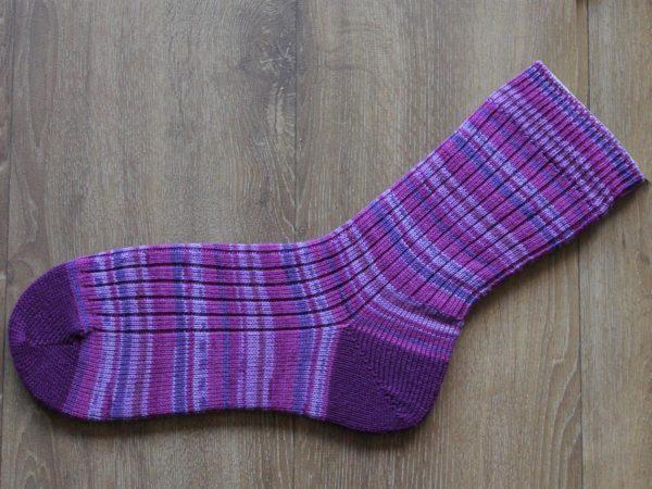 Paarse sokken maat 47-48