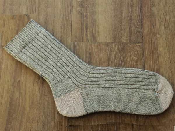Grote beige sokken maat 50-51