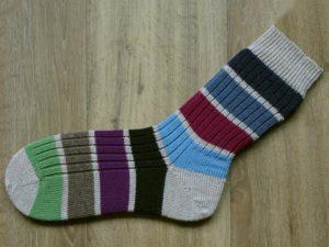 Grote sokken met strepen maat 49